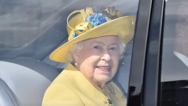 Названы две причины отказа королевы Великобритании Елизаветы II от престола