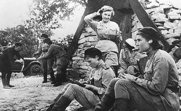 Кого называли походно-полевыми жёнами на Великой Отечественной
