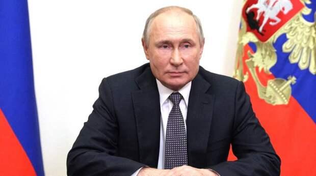 Проведем состязание самбистов на корабле: Путин с юмором отреагировал на инцидент с эсминцем