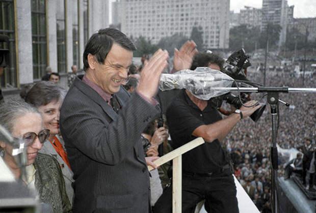 Руслан Хасбулатов на митинге Фото: Юрий Абрамочкин / РИА Новости