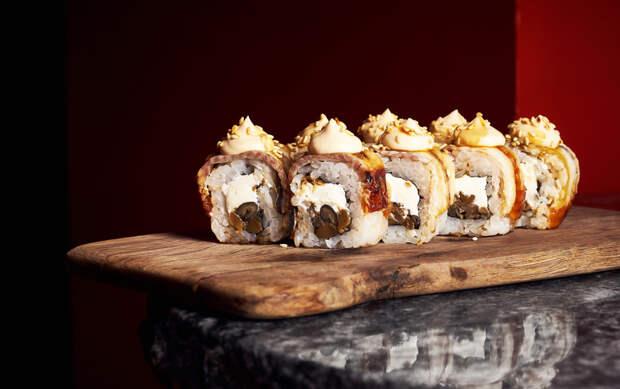Роллы с трюфельным айоли и соус из черных бобов: где найти лучшие суши в Москве и Санкт-Петербурге