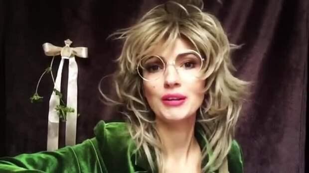Актриса Евгения Свиридова из Санкт-Петербурга сразила юмором пользователей Facebook