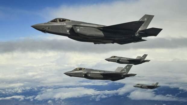 США «пошлют сигнал» РФ размещением рекордного числа истребителей на Аляске