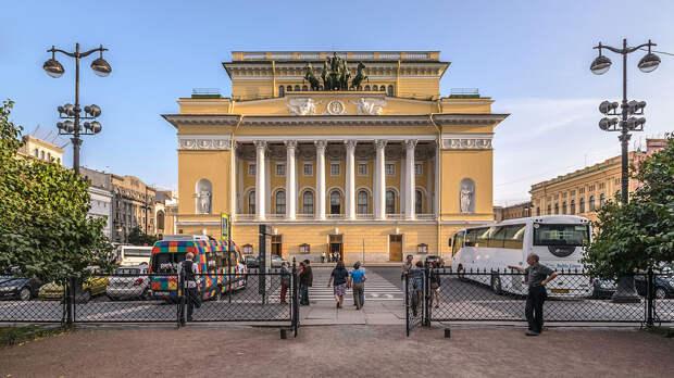 Музеи Санкт-Петербурга будут работать в режиме выходного дня