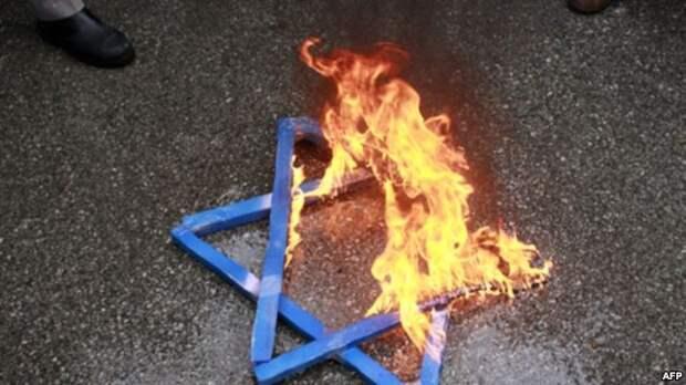 1. Иудейский лидер предупредил ЕС о возможном отъезде всех евреев из Европы  2.Возвращение антисемитизма  3. Французы назвали евреев виновными в антисемитизме  4. Бегущих из Европы евреев ждут в России