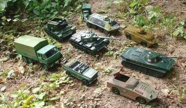 """Западные СМИ заявили о """"троллинге"""" НАТО со стороны посольства РФ"""