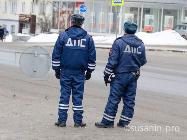 «Решили вопрос»: освободившим за взятку пьяного водителя инспекторам ГИБДД в Удмуртии вынесли приговор