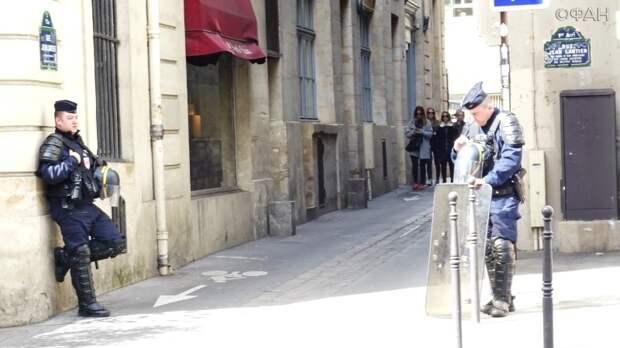 Отставные полицейские пожаловались на «агрессивные меньшинства» во Франции