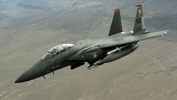 В США опровергли связь между переброской F-15 в Польшу и ситуацией на Украине