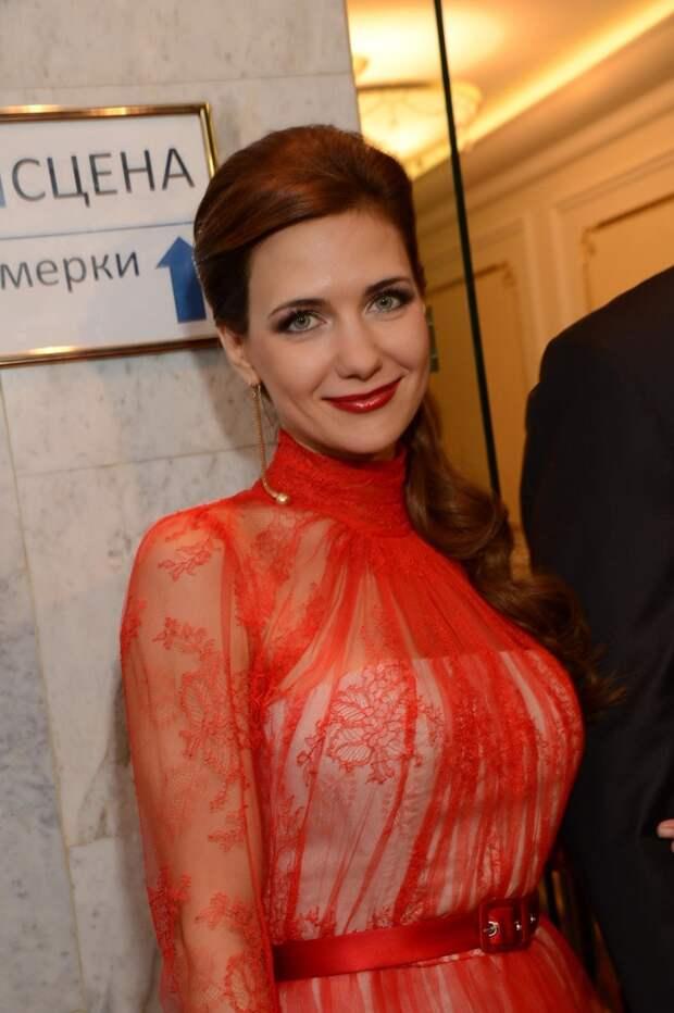 43-летняя Климова похвасталась стройной фигурой в смелой съемке
