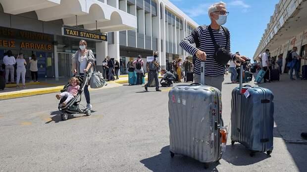 В АТОР рассказали о переплатах россиян за отдых за границей
