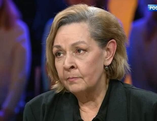 «Сын только забирал деньги и никак не заботился о матери»: в каких условиях живёт Ирина Акулова
