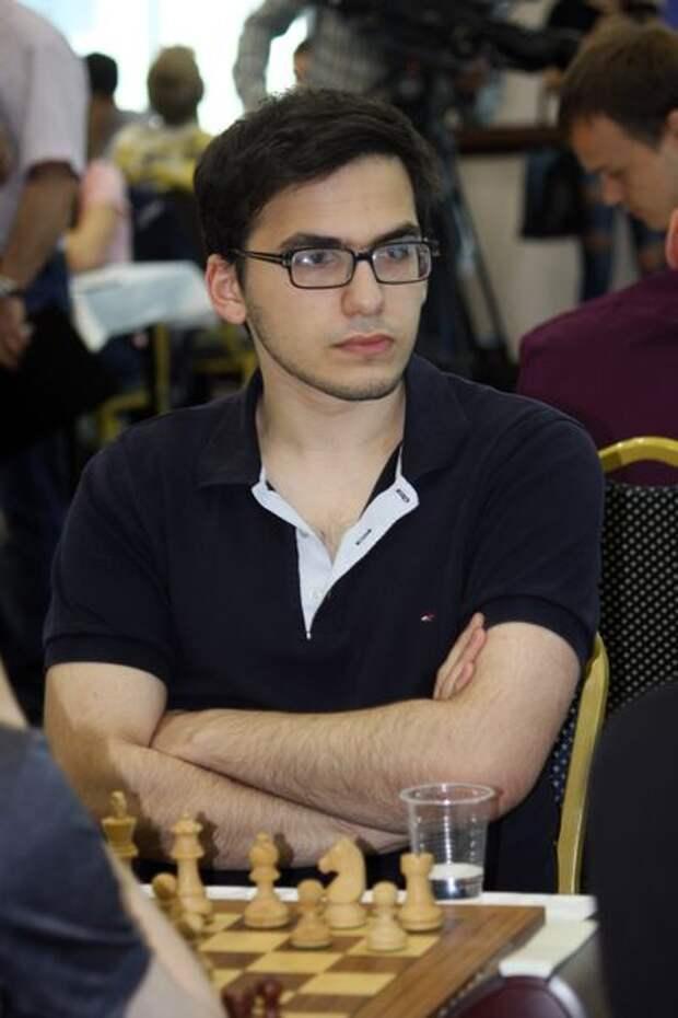 Десять российских шахматистов вышли в 1/16 финала Кубка мира. Главную сенсацию сотворил Давид Паравян, обыгравший одного из рейтинговых фаворитов турнира