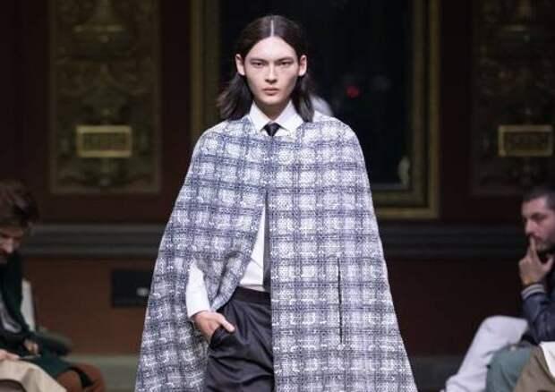 Кейпы, мантии и пальто из денима: как выглядит новая коллекция Viva Vox осень-зима 2021