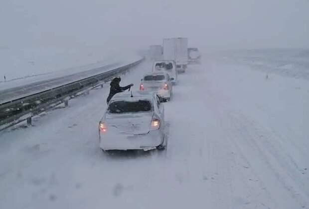 Администрация Симферополя ответит за провальную уборку снега