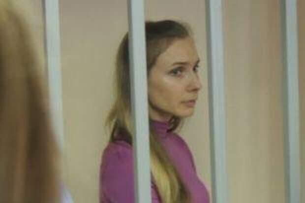 Блондинка с криминальным прошлым. Как живет участница «Дома-2» Настя Дашко