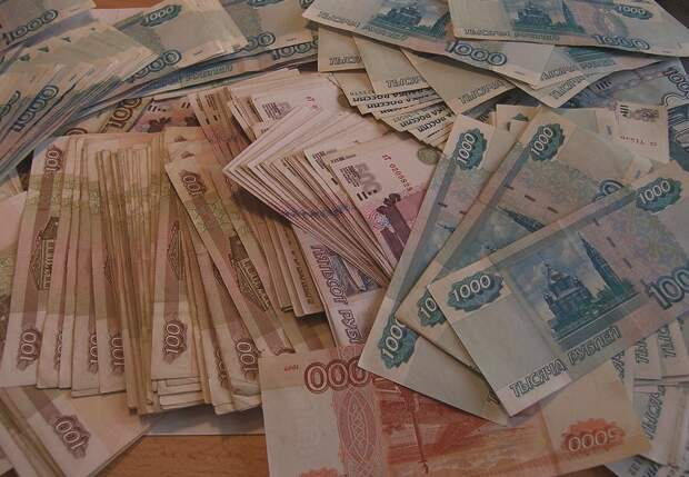Отдыхавший с девушками симферополец лишился 600 тысяч рублей