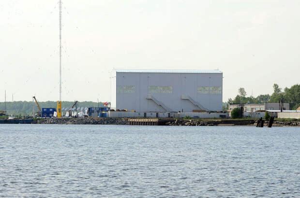 DSC 52471 Нефасадный Петербург: вид с воды