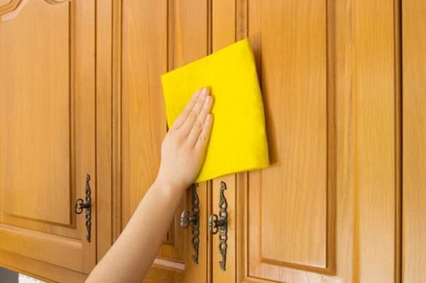 Удаление жирных пятен с кухонной шкафов | Как чистить жирные рабочие поверхности на кухне | Средства для удаления жирных пятен