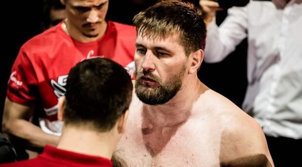 Виталий Минаков готовится к новому бою в Bellator