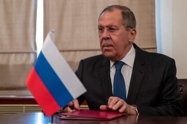 РФ не оставит без ответа выпады Запада в отношении ее политиков - Лавров