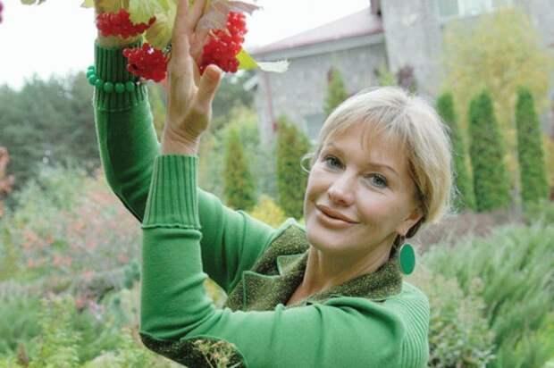 Женщина, которая привыкла искренне отвечать: Елена Проклова