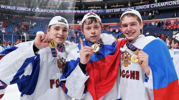 Розанов любил хоккей и был голосом МЧМ. Под его великий комментарий сборная России обыгрывала канадцев