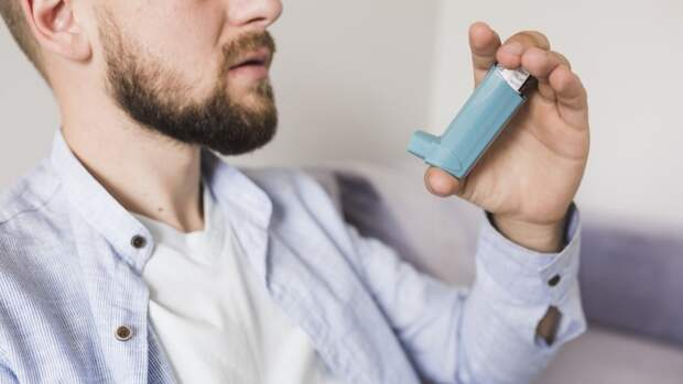 Британские исследователи изучили влияние препарата от астмы на больных COVID-19