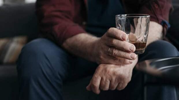 Смертность от алкоголя и психических расстройств выросла в 2020 году