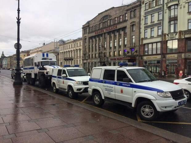 Baza: В Петербурге вслед за Хованским задержали блогера Дмитрия Ларина