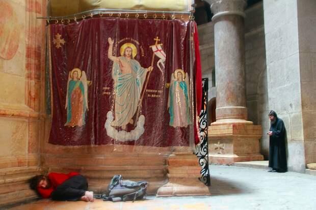Кувуклия в храме Гроба Господня в Иерусалиме - РИА Новости, 1920, 20.04.2021
