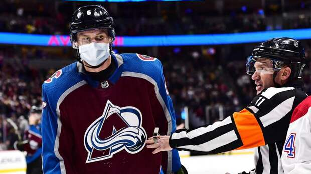 НХЛ упростит протокол COVID-19 в плей-офф для полностью вакцинированных команд