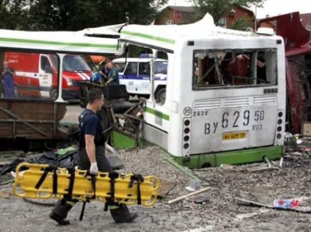 Суд признал вину водителя КАМАЗа, врезавшегося в автобус под Подольском