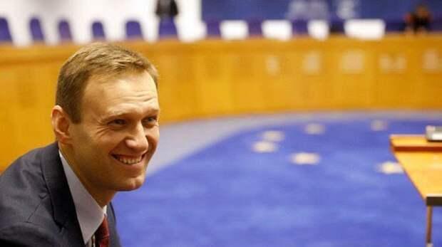 «Сбежали и тявкают»: сторонники Навального разочарованы бегством лидеров протеста