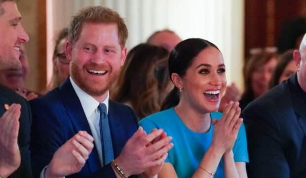 Меган Маркл и принца Гарри призывают отказаться от монарших титулов