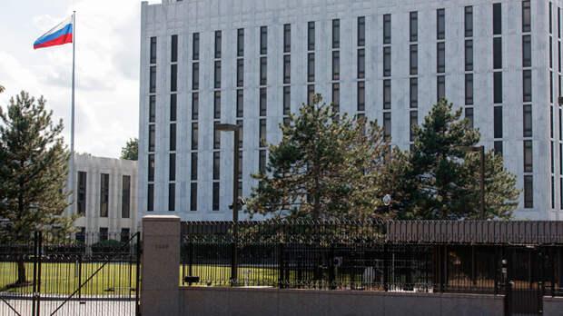 Путина свергнуть, черноморских моряков наказать, флот США ввести: За что Рона Джонсона не пустили в Россию