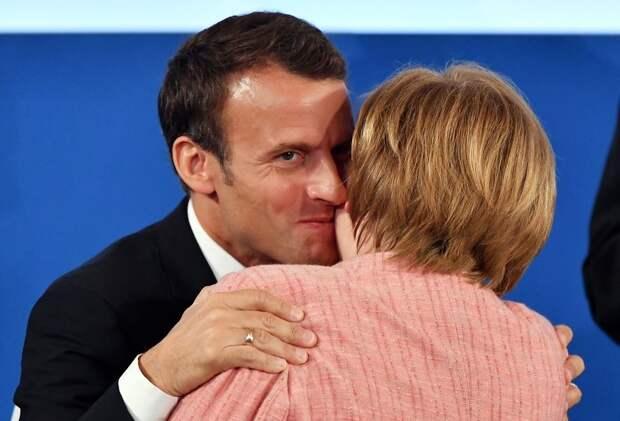 Макрон лишил Меркель 500 миллиардов и европейской короны