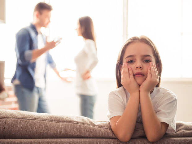 Синдром недолюбленного ребенка: как исправить ошибки родителей (и не повторить их)