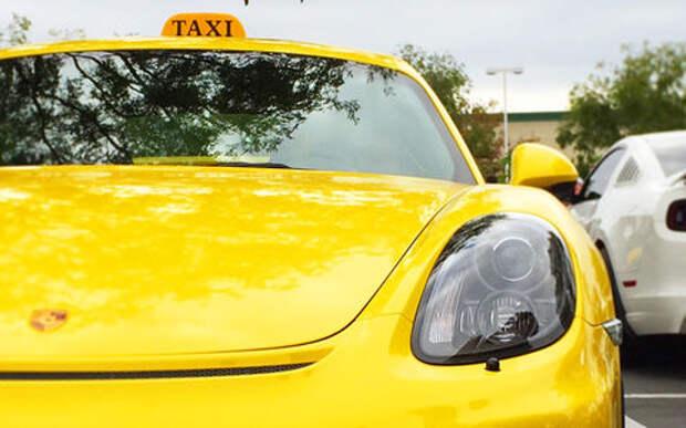 Богатые, но трусливые: что делают Rolls-Royce и Porsche в такси