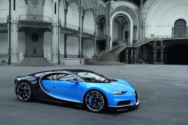 Москвич выставил на продажу самый дорогой автомобиль в России