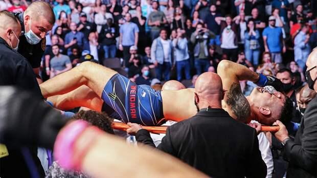 «Первый боец в UFC, победивший без единого удара». Уайт отреагировал на жуткую травму Вайдмана в бою с Холлом