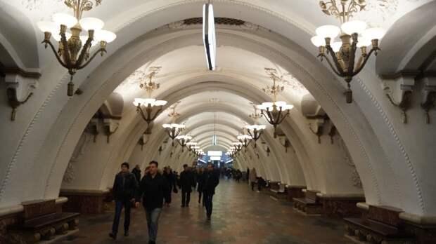 Метрополитен Москвы открыл приуроченную ко дню рождения выставку ретропоездов