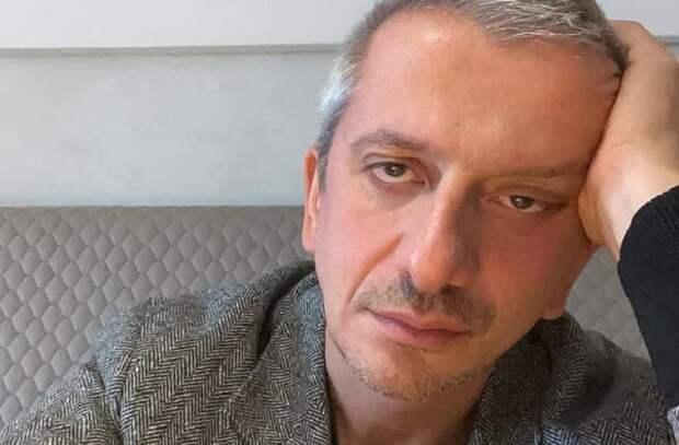 «Кружок при психбольнице»: драматург Поляков оценил спектакли Богомолова