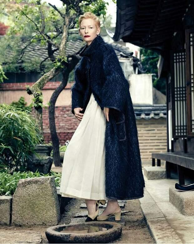 Тильда в кавере для Vogue и Chanel