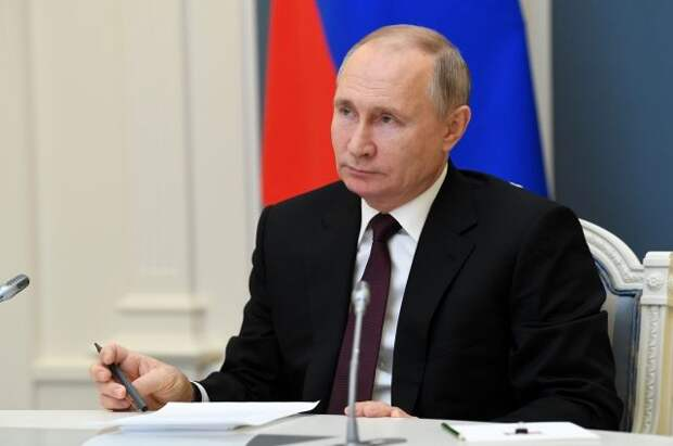 Путин заявил о дальнейшей проработке программ поддержки российских семей