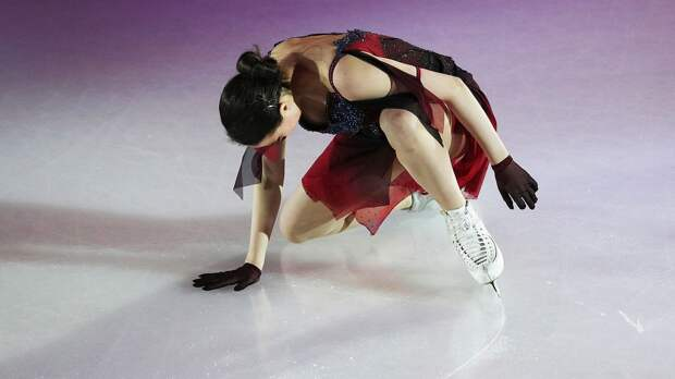 Загитова упала с тройного лутца на шоу Тутберидзе в Ташкенте