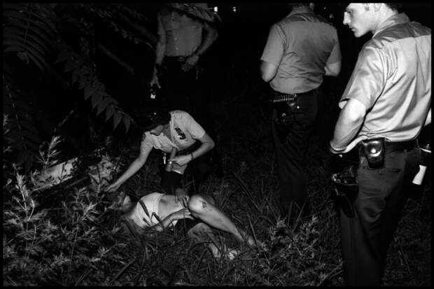 полицейские прибыли на место преступления, где было обнаружена забитая женщина, до бессознательности. Как оказалось девушка была проституткой. Как сообщила девушка она ничего не помнит.
