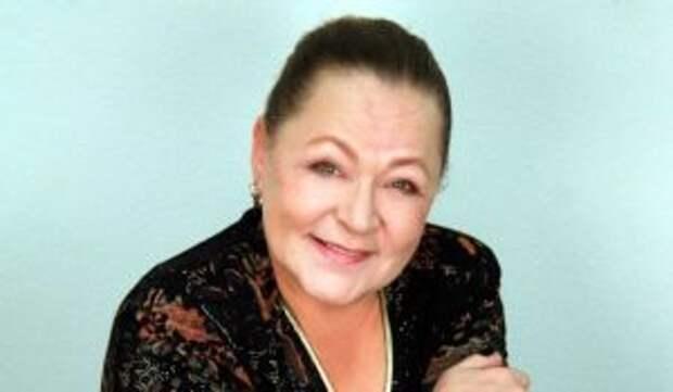 Актриса Раиса Рязанова умоляет похоронить ее около сына
