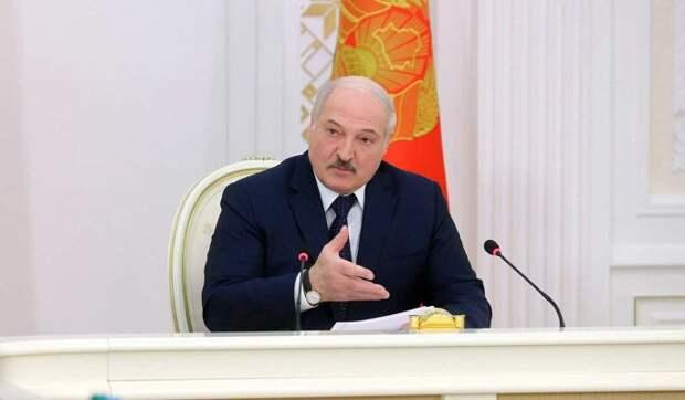 Эксперт Карбалевич рассекретил план Лукашенко: Готовит новую Конституцию под самого себя