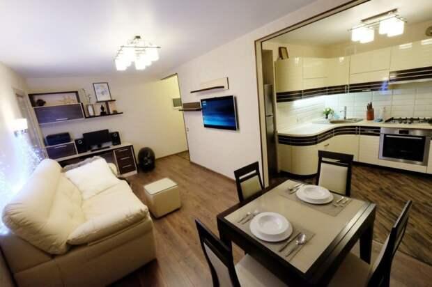 Благодаря перепланировке удалось сделать квартиру более просторной и просто роскошной.